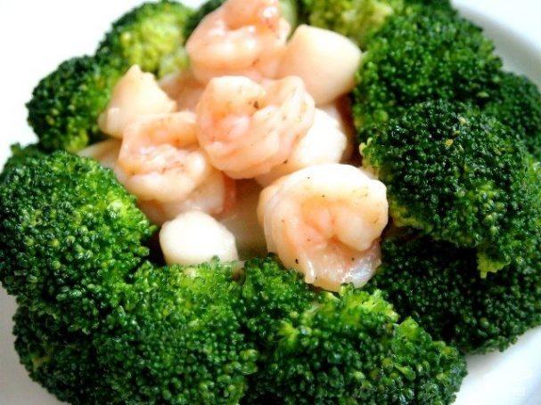 Брокколи с морепродуктами