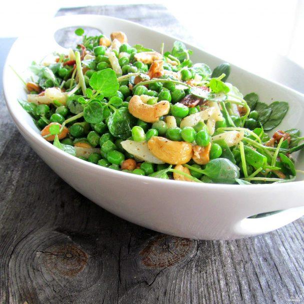 Салат с горохом