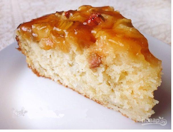 Пирог с ревенем и манкой