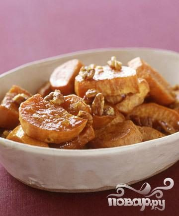 Сладкий картофель с орехами