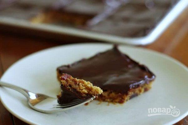 Овсяный десерт с вишней и шоколадом