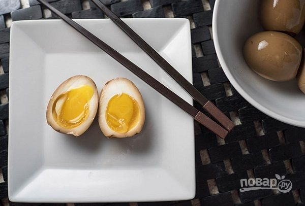 Маринованные куриные яйца