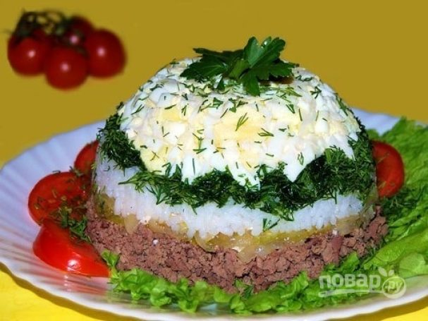 Салат слоеный с печенью