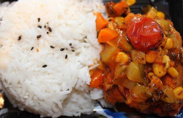 Тушеные кабачки с овощами