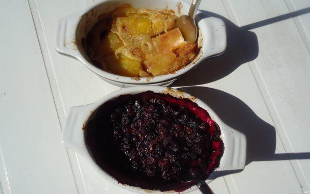 Открытый пирог с замороженными ягодами
