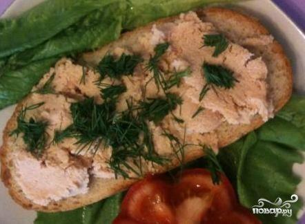 Бутерброды с икрой трески