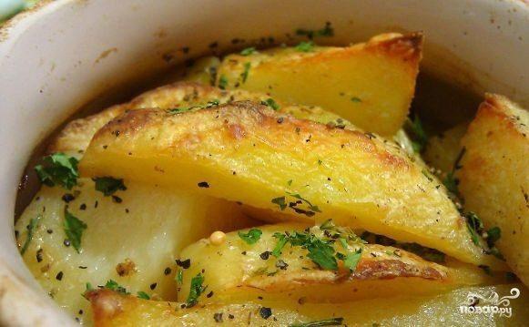 Тушеная картошка в горшочках