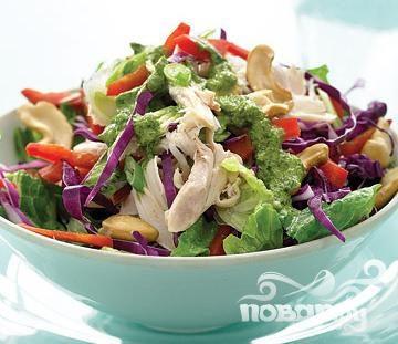 Салат с курицей, капустой и болгарским перцем