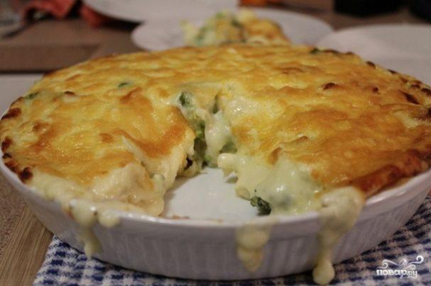 Закрытый пирог с брокколи и сыром