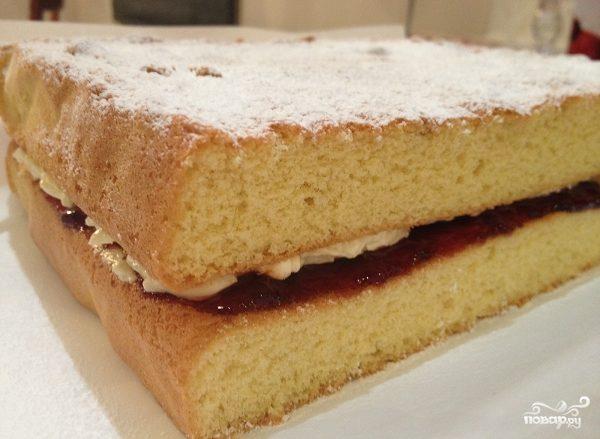 Быстрый пирог с вареньем