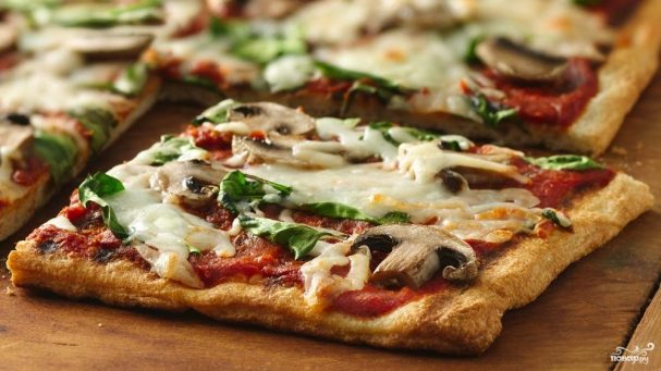 Пицца в духовке с грибами