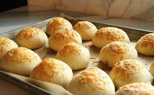 Рецепт булочек с сыром из дрожжевого теста