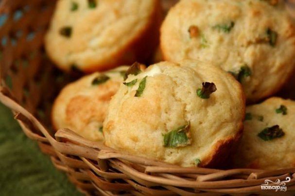 Маффины с зеленым луком и козьим сыром