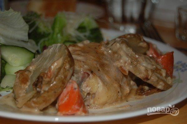 Картошка с курицей и грибами в духовке
