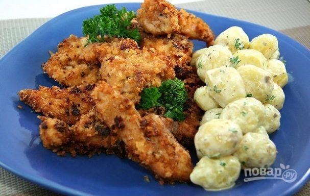 Куриное филе в панировке с беконом