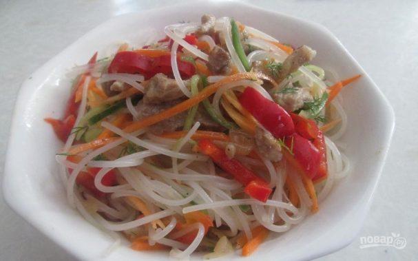 Салат с фунчозой и корейской морковью