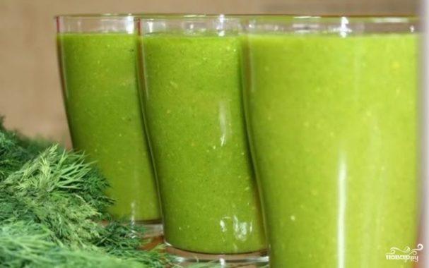 Зеленый коктейль с мандарином