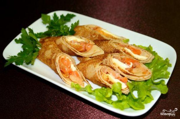 Блинчики с лососем и сыром