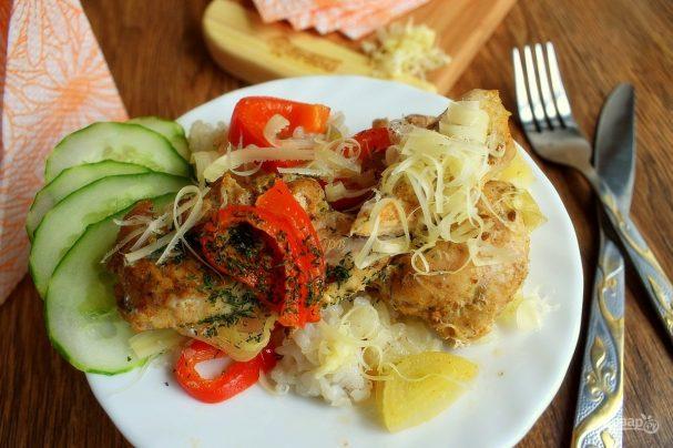 Курица с рисом и овощами в фольге