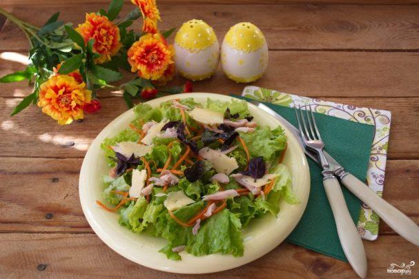 Салат с копченой курицей и корейской морковкой
