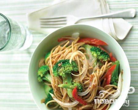Спагетти с брокколи и перцем болгарским