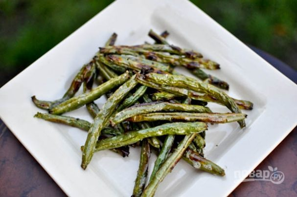 Зеленая фасоль на сковороде