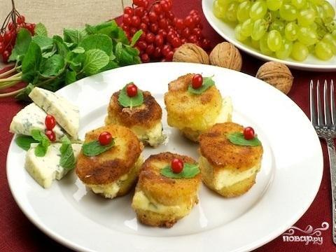 Картофель и сыр с плесенью