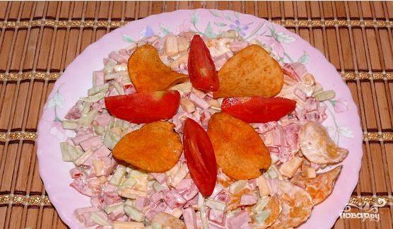 "Салат ""Озеро"" с чипсами"