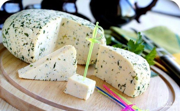 адыгейский сыр в лаваше с зеленью