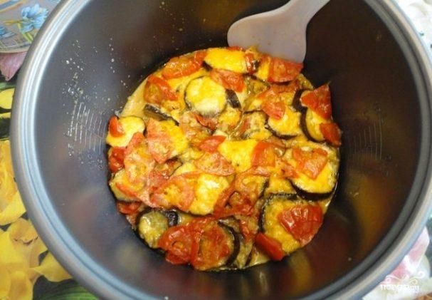 Баклажаны с помидорами в мультиварке