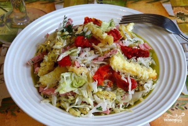 Капустный салат с омлетом