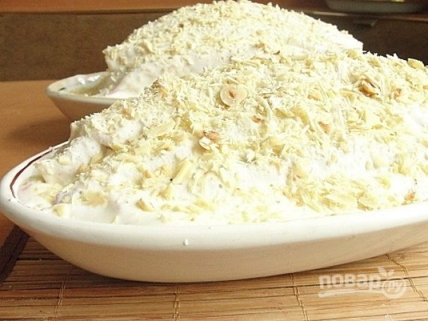 Блинный торт со сметанным кремом и клубникой