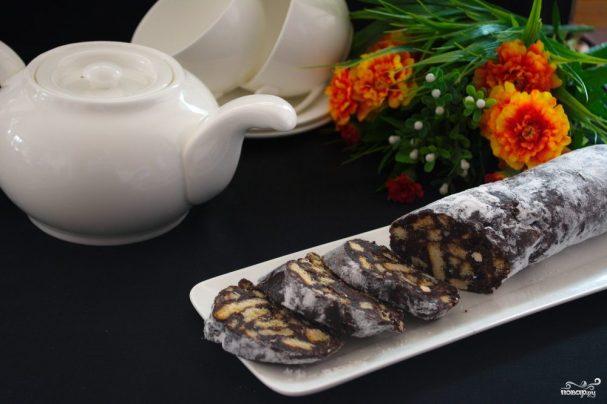 Колбаска из печенья и какао