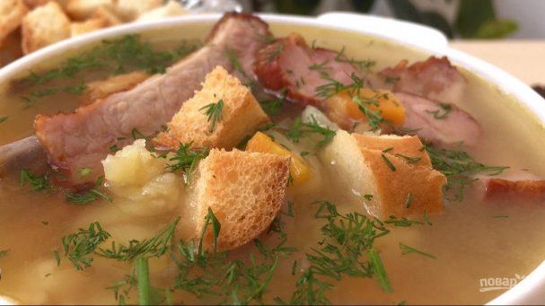 Очень вкусный гороховый суп с копчеными ребрышками
