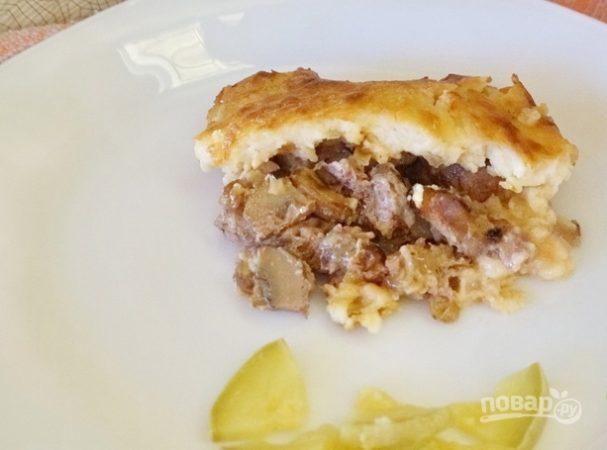 Мясо с грибами под соусом