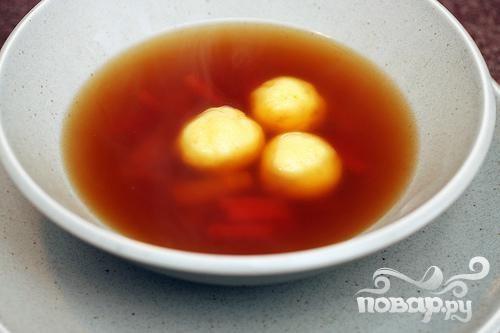 Суп с морковью, пастернаком и клецками