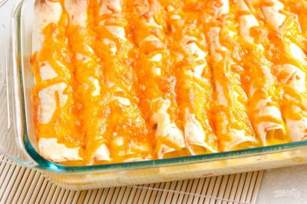 Энчилада с ветчиной и сыром