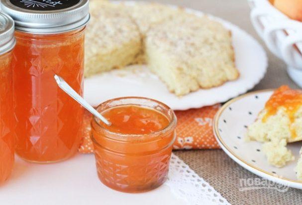 Варенье из абрикосов с миндальным экстрактом