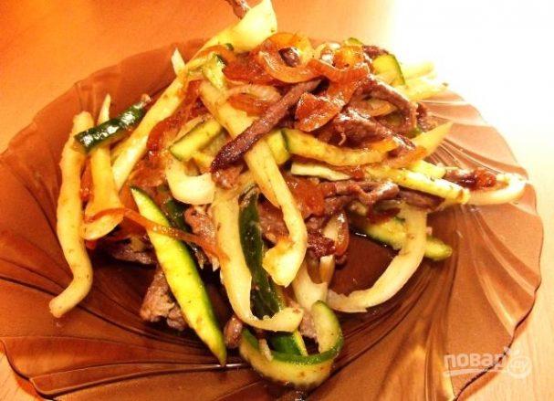 огурцы с мясом салат