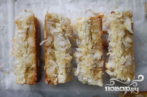 Кокосовые пирожные с орехами