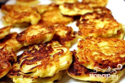 Картофельные оладьи с икрой