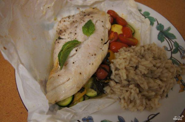 Рыба в пергаменте с овощами
