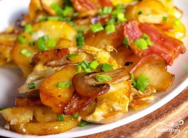 Жареные маслята с картошкой