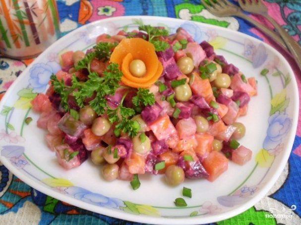 Салат к вареникам