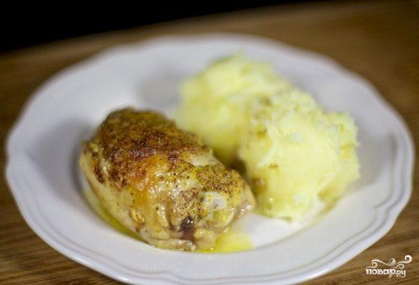 Запеченная курица под соусом