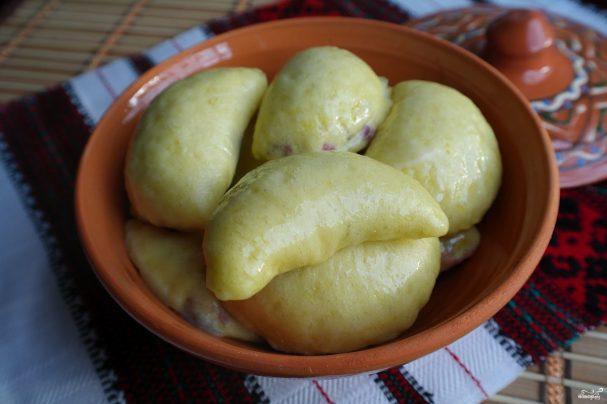 Творожное тесто для вареников с вишней