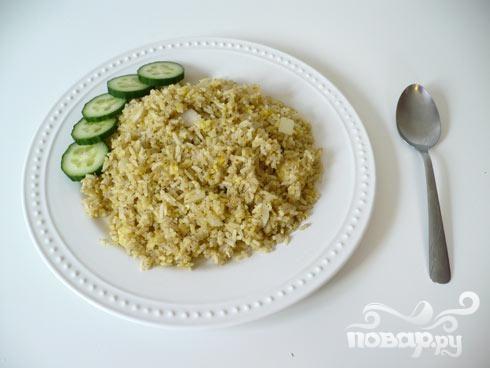 Жареные яйца с рисом