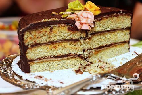Фисташковый торт с марципаном и шоколадной глазурью
