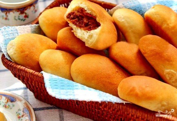 Постные пирожки с сухофруктами