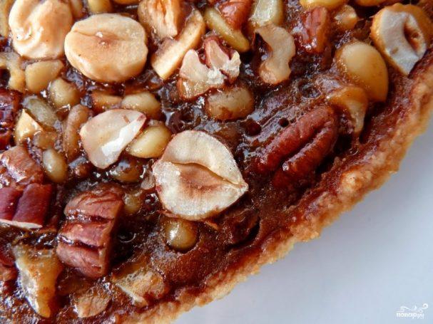 Перевернутый пирог с орехами